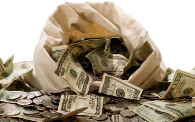 Dolların sürətlə ucuzlaşmasının səbəbi nədir?