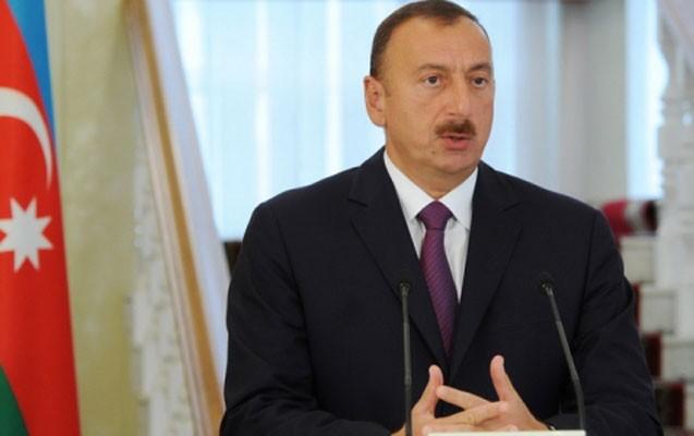 İlham Əliyev dövlət qulluqçularını təltif etdi - Siyahı