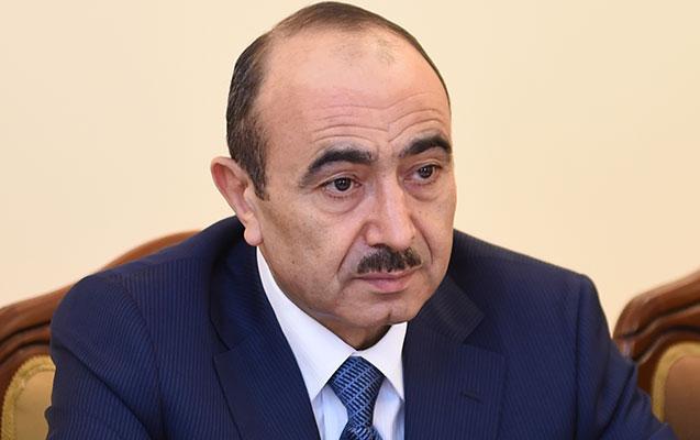 """""""İnsan hüquqları qəddar şəkildə pozulub"""" - Əli Həsənov"""