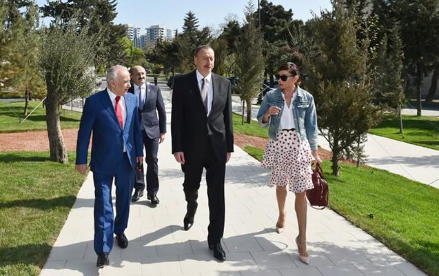 Prezident və xanımı yeni parkda -Fotolar