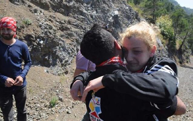 Gənc qızı şoka salan evlilik təklifi -Fotolar