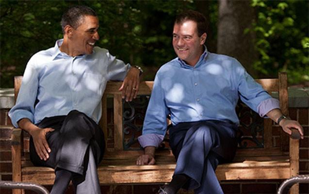 Medvedev Obama ilə qeyri-rəsmi görüşdü