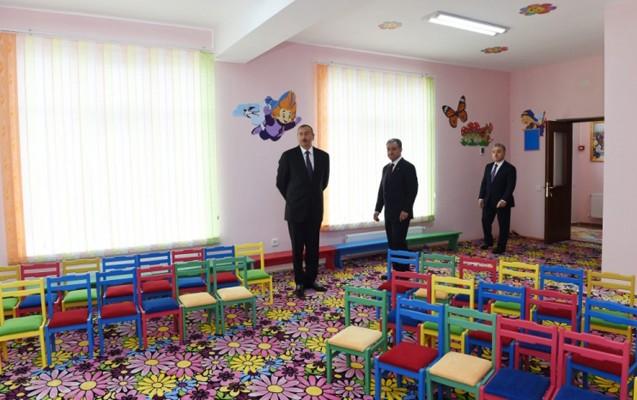İlham Əliyev məktəb binasının açılışında - Fotolar