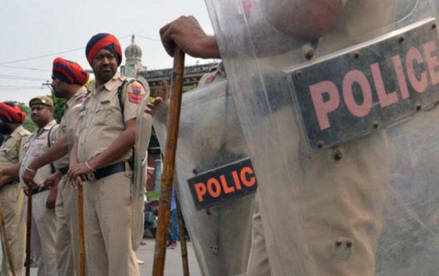 Polislərə hücum, 8-i öldü
