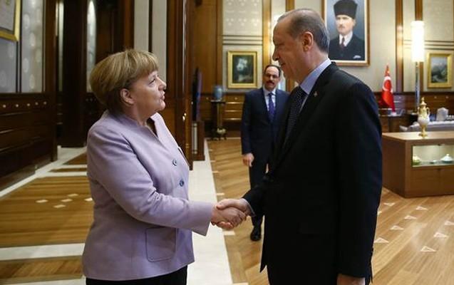 Ərdoğan Merkelin bu sözünə əsəbiləşdi - Video