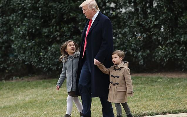 Qayğıkeş baba Tramp... - Fotolar