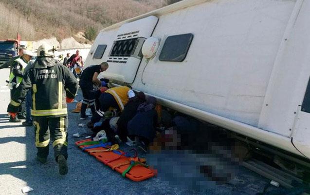 Türkiyədə qadınları daşıyan avtobus qəzaya düşdü - 7 ölü, 35 yaralı+Video