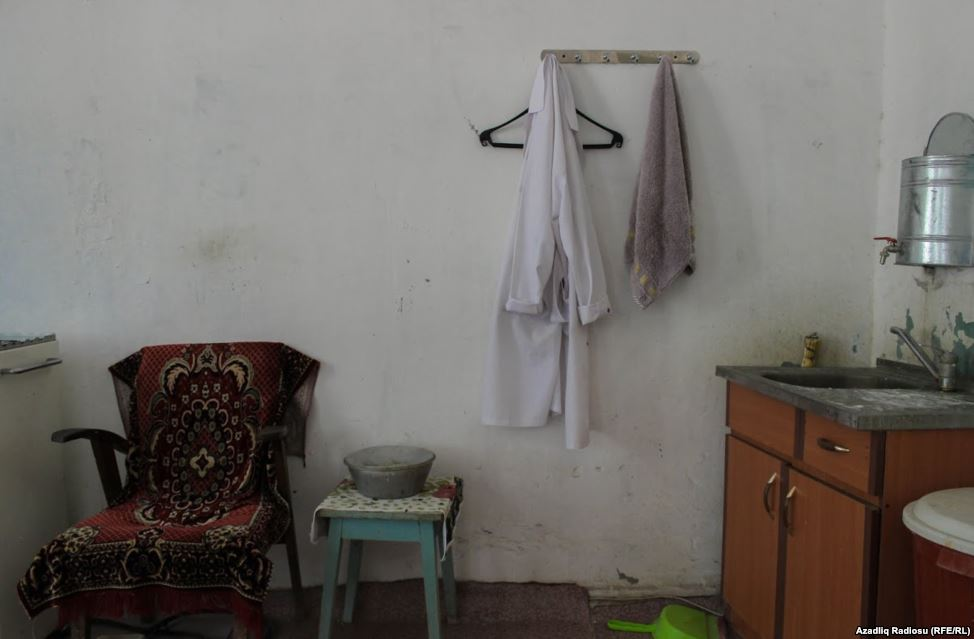 Rayon poliklinikasından şok görüntülər  -  Fotolar