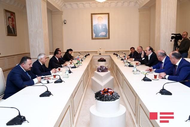 Prezident Naftalanda müalicə olunacaq -  Fotolar