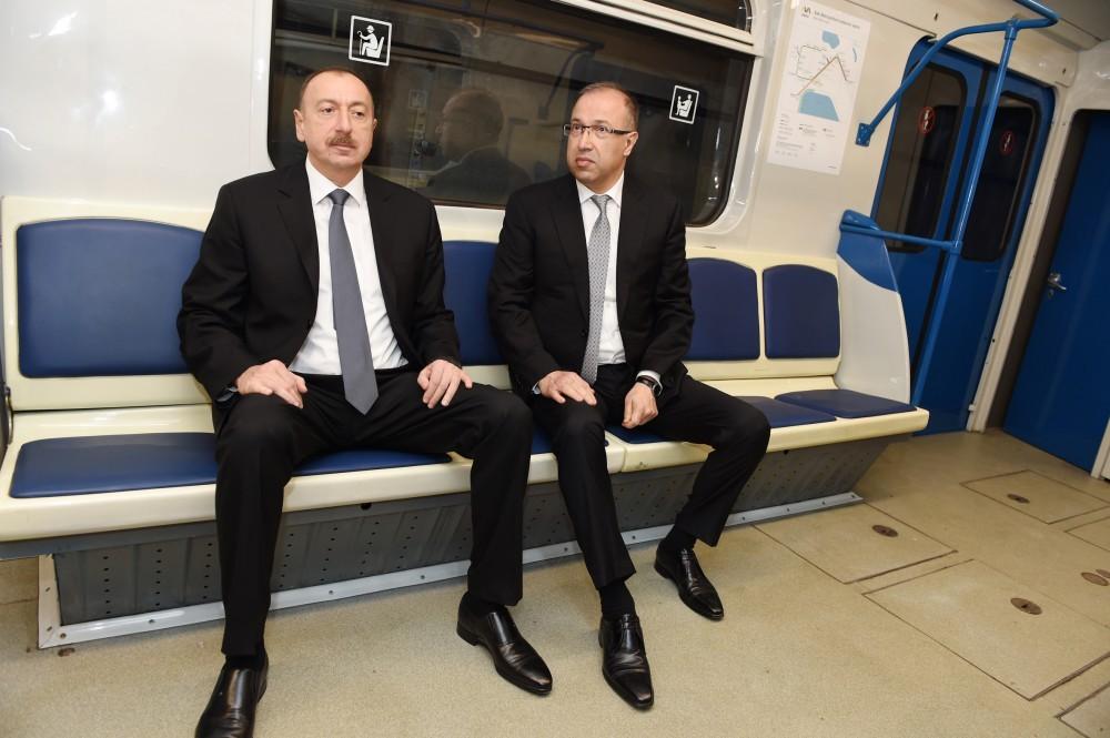 İlham Əliyev metroda -  Fotolar