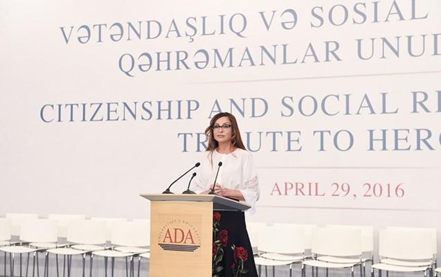 Heydər Əliyev ADA-nın məzun buraxılışı tədbirində -  Fotolar