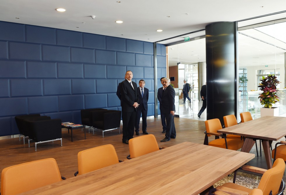 İlham Əliyev SOCAR-ın binasının açılışında - Fotolar