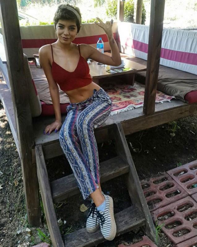 21 yaş kiçik sevgilisi ilə tətildə -  Fotolar