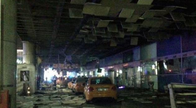 Atatürk hava limanında iki partlayış  -  10 ölü, 20 yaralı + Fotolar + Yenilənir