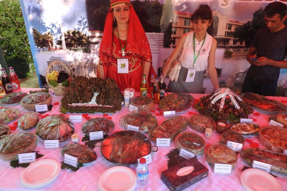 Azərbaycandakı dolma festivalından - Fotolar