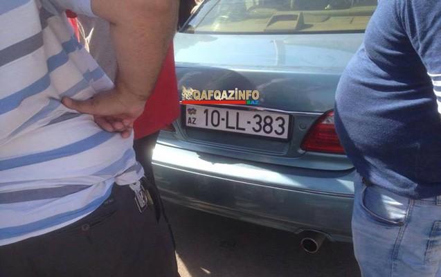 Bakıda sürücünün ürəyi tutdu  -  Maşını boruya çırpdı+Fotolar