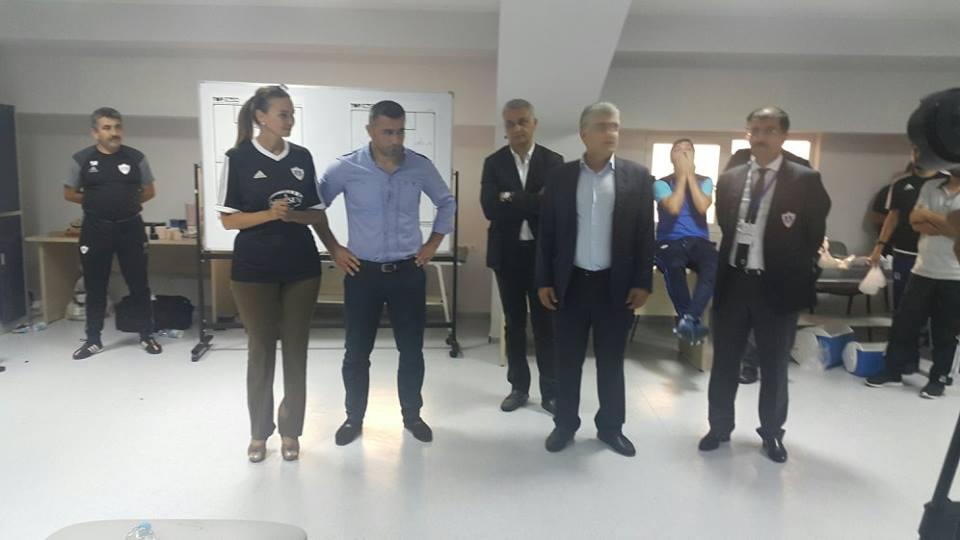 """""""... Heç xoşuma gəlmədi""""  -  Deputat """"Qarabağ""""ın oyununda"""
