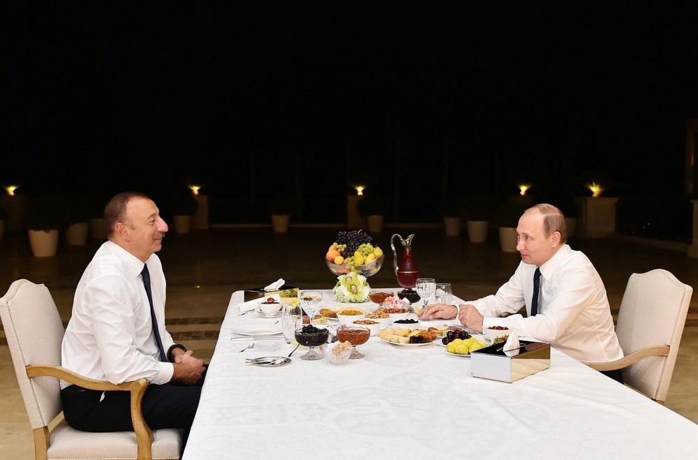 Putin İlham Əliyevin evində oldu