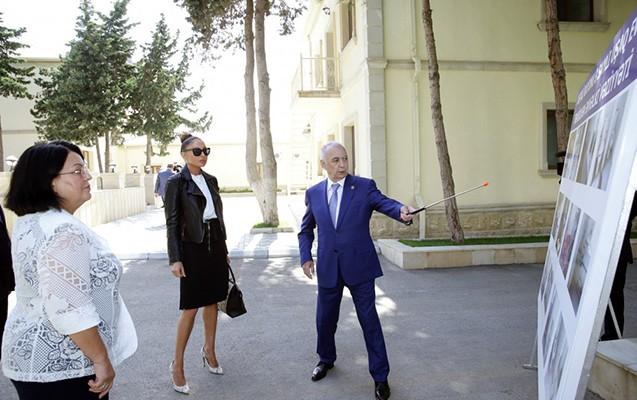 Mehriban Əliyeva uşaq evində -  Fotolar