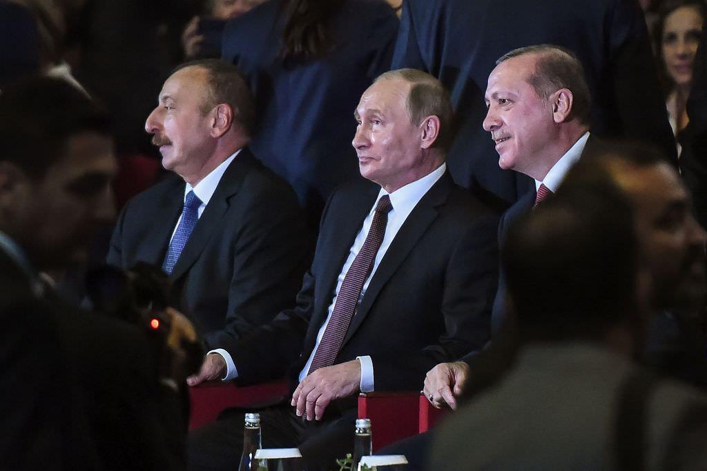 Liderlərdən enerji çıxışı -  Neft ilin rekordunu qırdı