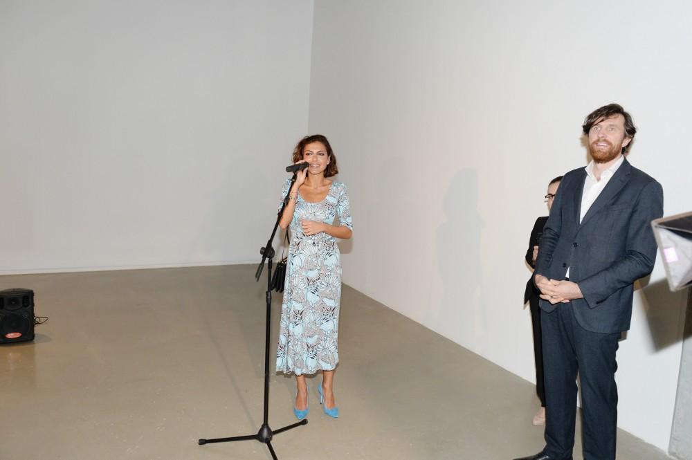 Leyla və Arzu Əliyevalar sərgidə -  Fotolar