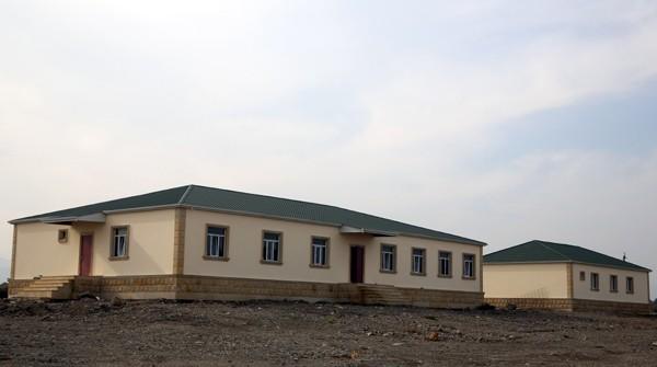 Nazir hərbi hissələrdəki yeni yaşayış komplekslərinin açılışında - Fotolar