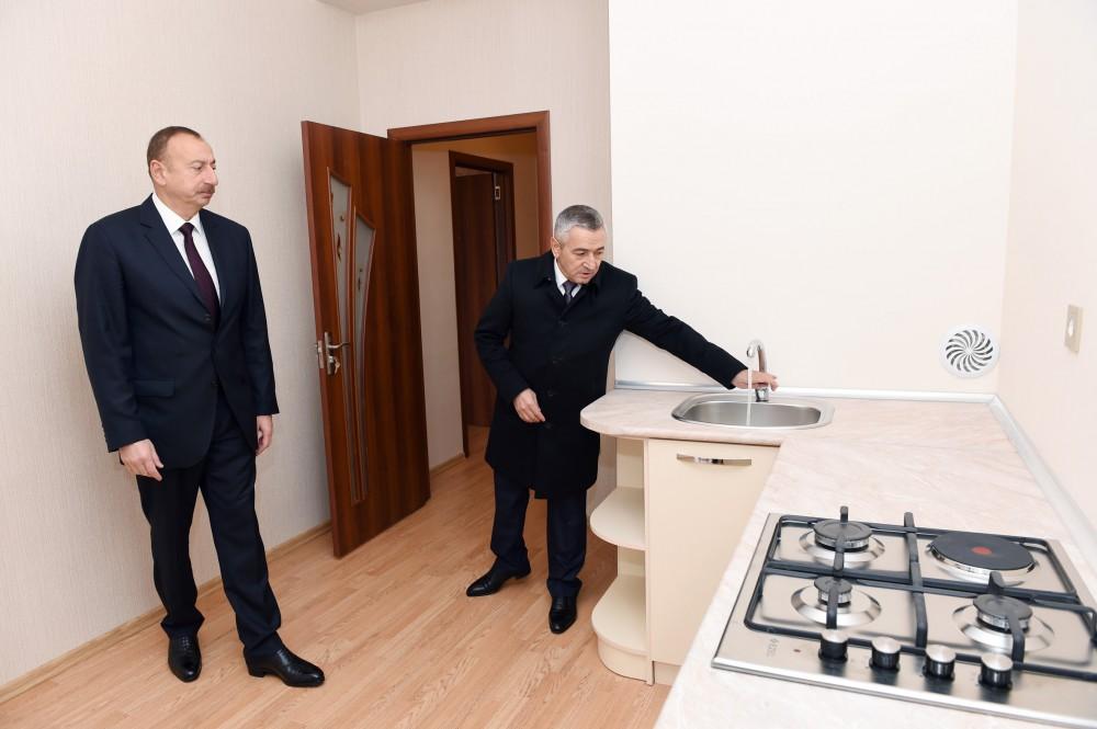 """""""Bu il inşaat sektorunda tənəzzül yaşanır"""" -  Prezident sakinlərlə görüşüb"""