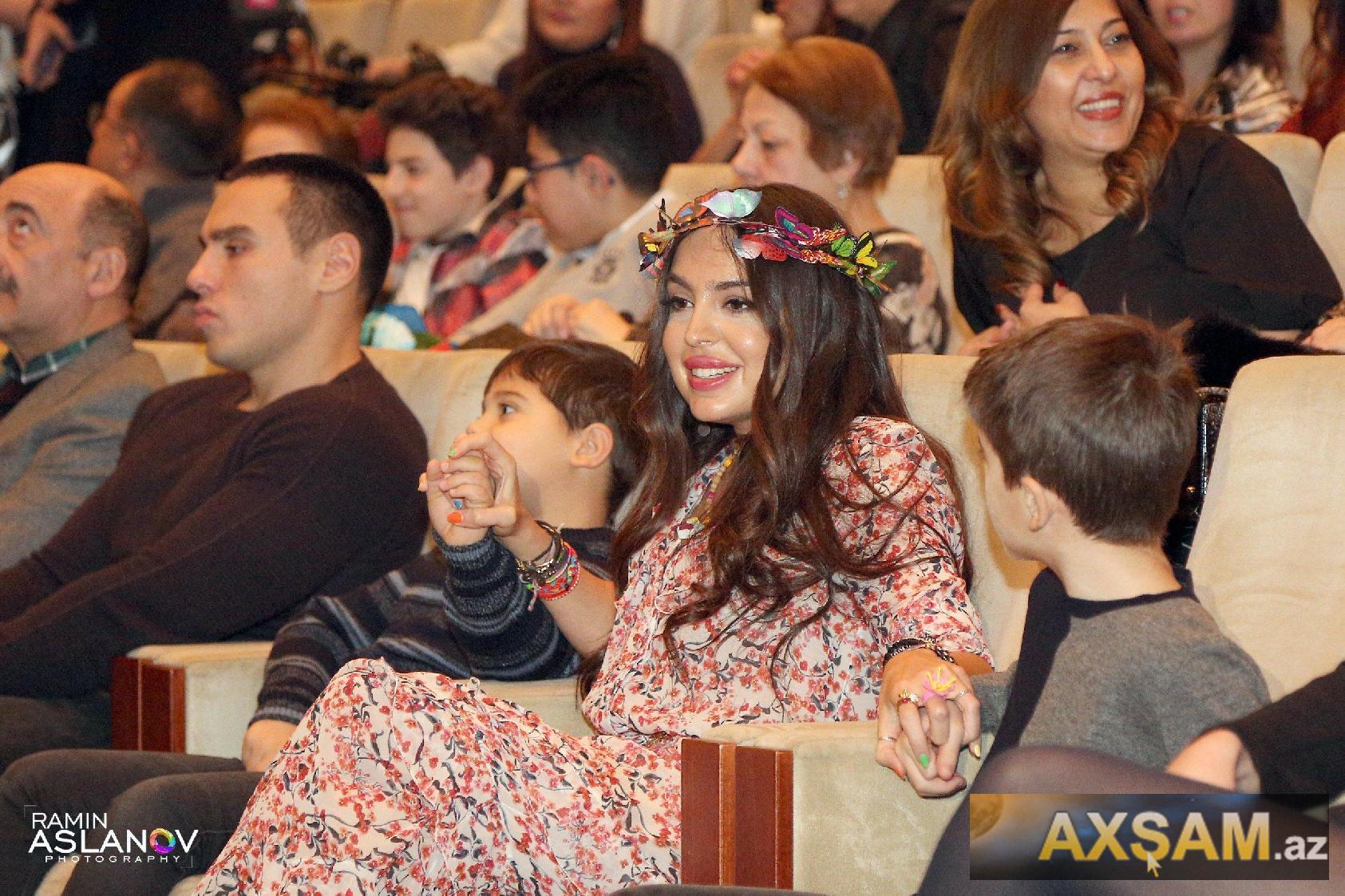 Leyla Əliyeva əkizləri ilə konsertdə  -  Fotolar