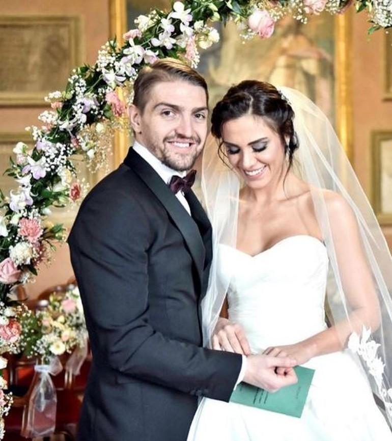 Məşhur futbolçu aktrisa ilə İtaliyada evləndi - Foto