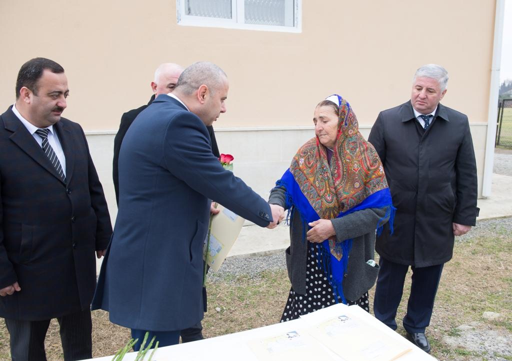 Qarabağ əlilləri və şəhid ailələrinə ev verildi -  Foto