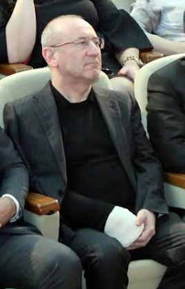Azərbaycanda nazir müavininin qolu sınıb -  Qarda yıxılıb + Foto